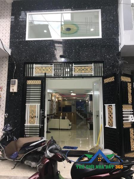 Bán nhà quận 11 TPHCM: nhà mới 100% tại đường Lạc Long Quân kinh doanh tốt